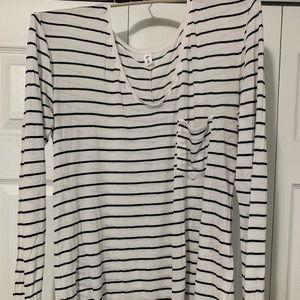Striped black and white pocket tee BP